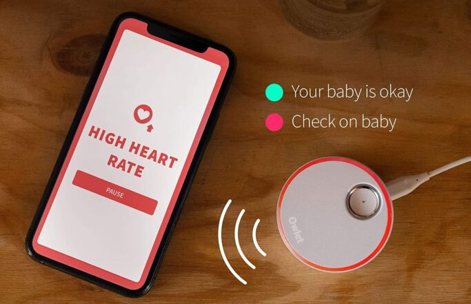 baby monitor tracks baby's respiration